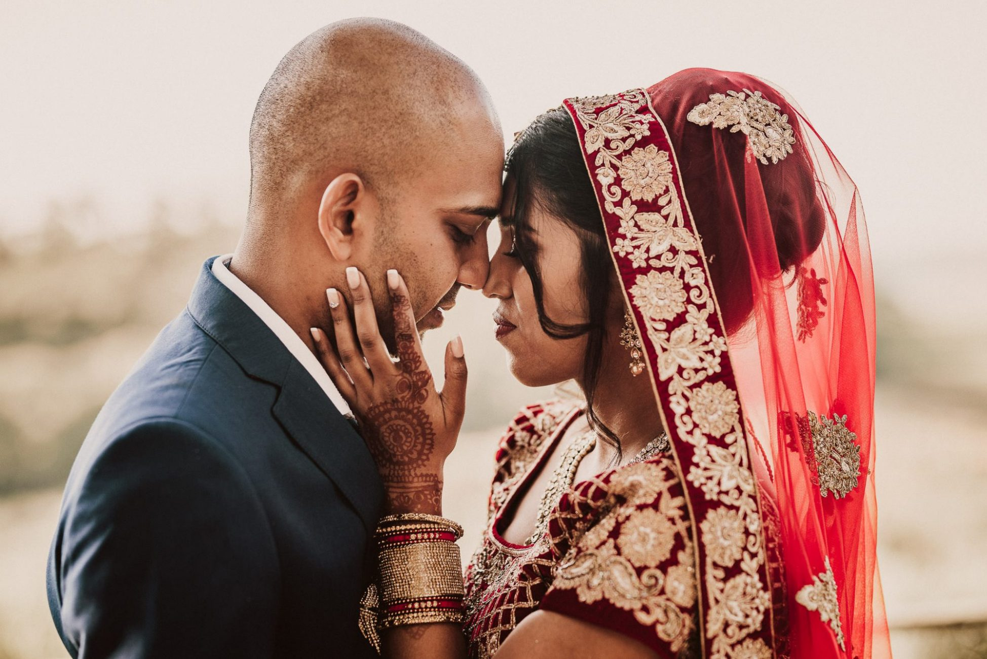 hindu bride and groom eskimo kisses_capetown_photographer_parfume_