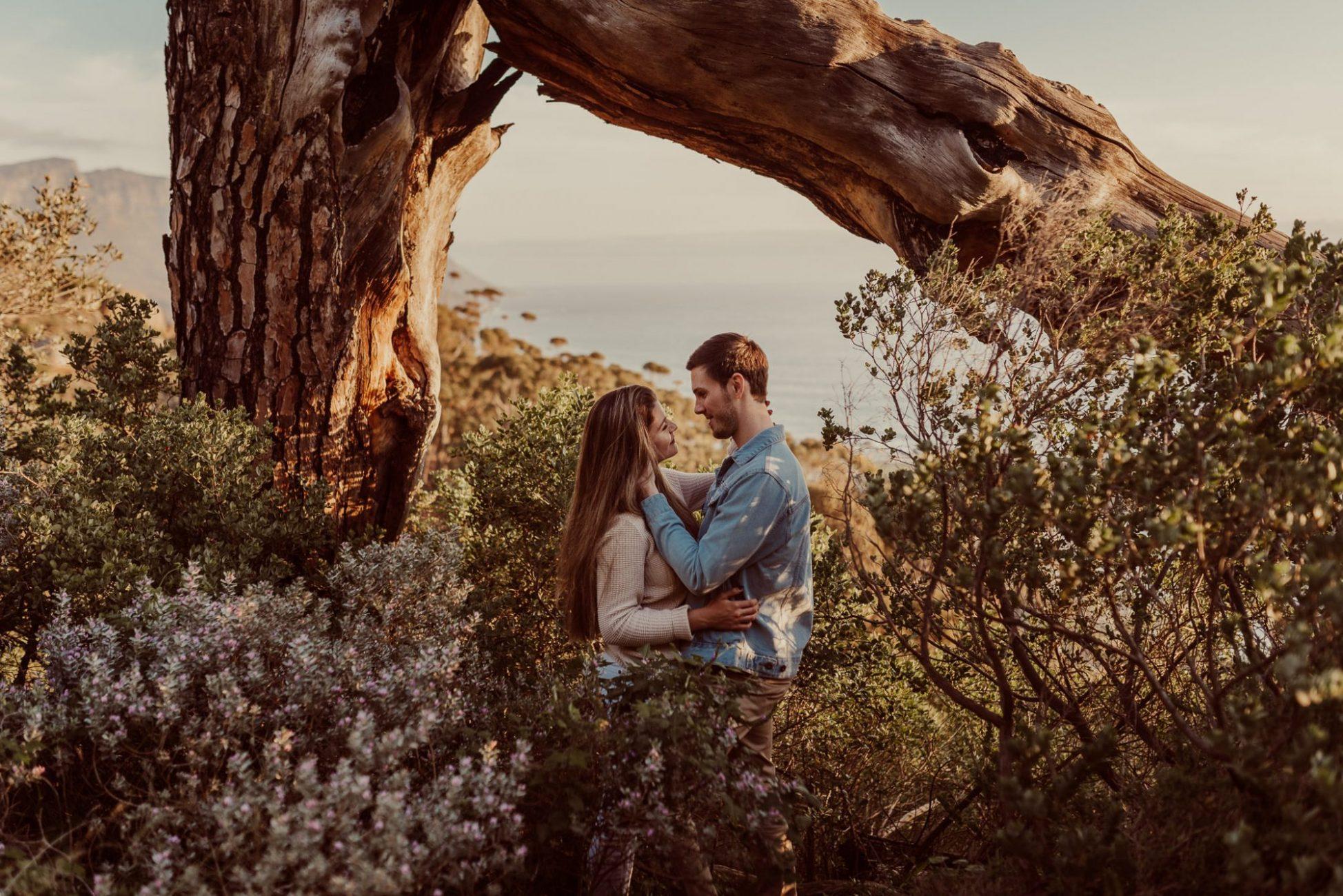table_mountain_national_park_engagement_photoshoot_session_couple_flowers_nature_tree_romance_cr8tive_duo_shaun_sarka