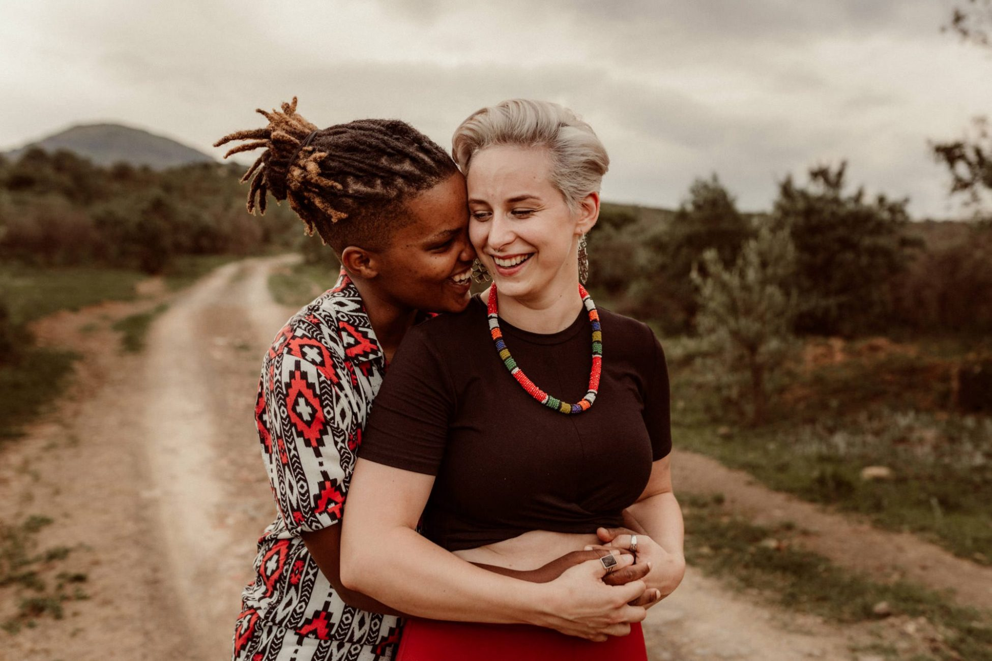 couple-lgbt-engagement_photoshoot-cr8tiveduo-Drakensberg_mountains_kwazulunatal_zee-lizzie_laugh-love